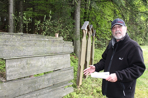 Totenbretter bei Oberlangau, Foto: Georg Lang, Oberviechtach