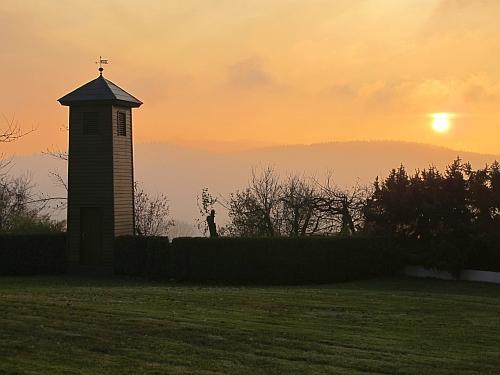 Sonnenuntergang über dem Fahrenberg, gesehen von der Brünst